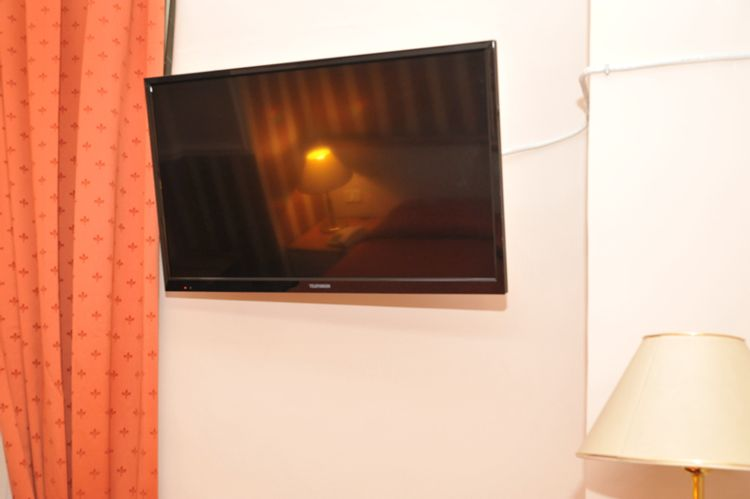 Catania Centro Rooms  TV in Camera